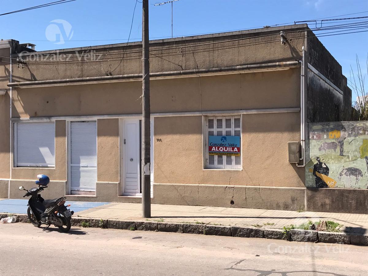 Foto Casa en Venta en  Carmelo ,  Colonia  19 de Abril casi Ituzaingo