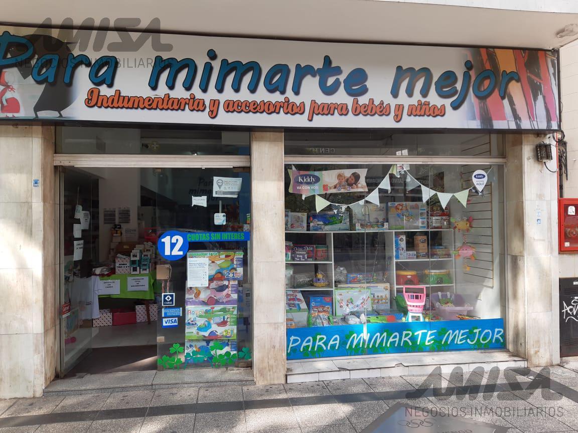 Foto Local en Alquiler en  Macrocentro,  Rosario  Av. Pellegrini al 1300