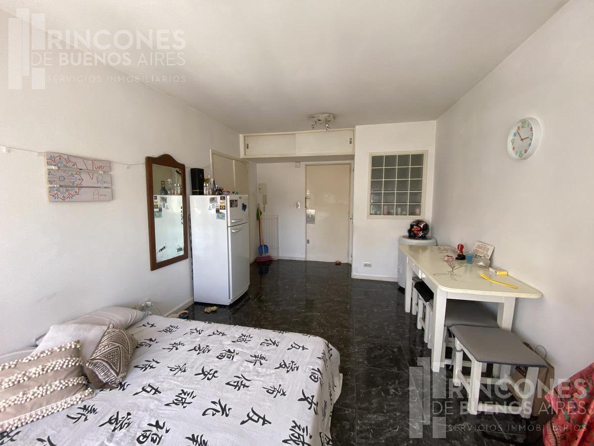 Foto Departamento en Alquiler en  Almagro ,  Capital Federal  Colombres 41