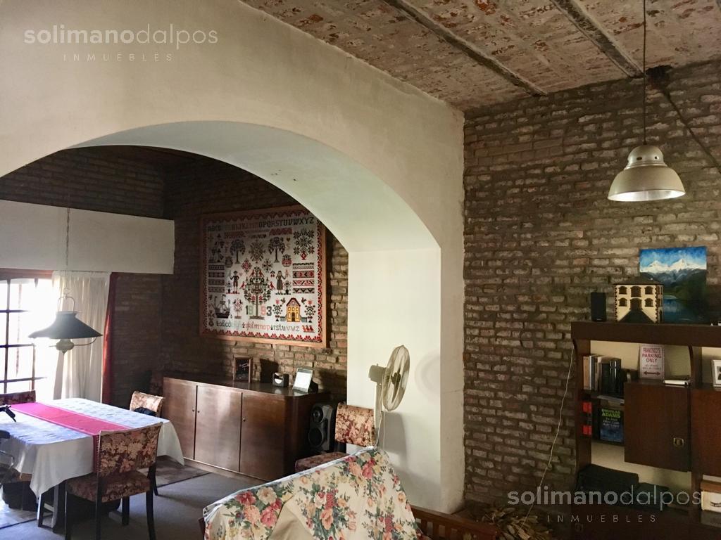 Foto Casa en Venta en  La Lucila-Vias/Maipu,  La Lucila  Dr. Tomas de Anchorena al 900