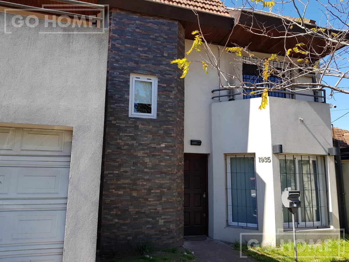 Foto Casa en Venta en  Moron ,  G.B.A. Zona Oeste  Merlo  al 1900