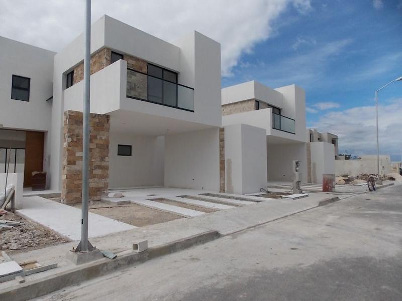 Foto Casa en condominio en Venta en  Pueblo Conkal,  Conkal  Casa en Venta Privada Avenida Conkal Mérida Yucatán