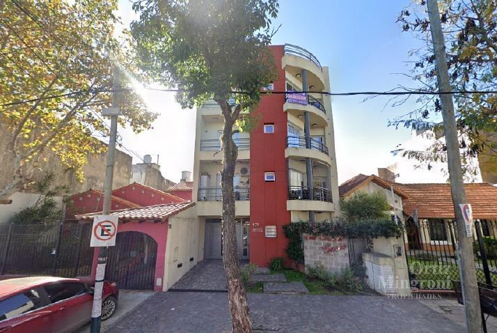 Foto Departamento en Venta en  Lomas De Zamora,  Lomas De Zamora  Saenz al 600