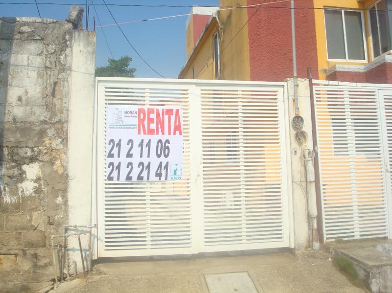 Foto Casa en Renta en  Puerto México,  Coatzacoalcos  Calle Ambrosio Solorza No. 606-B, entre las calles Lázaro Cárdenas y Juventino Rosas, Colonia Puerto México, Coatzacoalcos, Ver.
