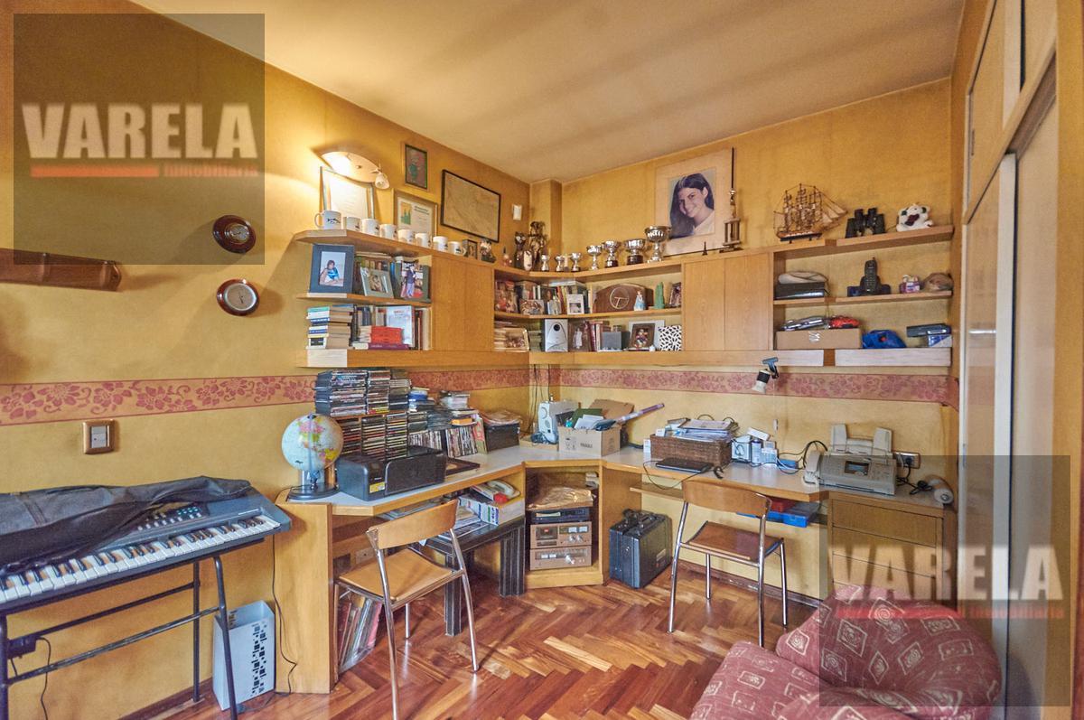 Foto Casa en Venta en  Flores ,  Capital Federal          Neuquen 1900