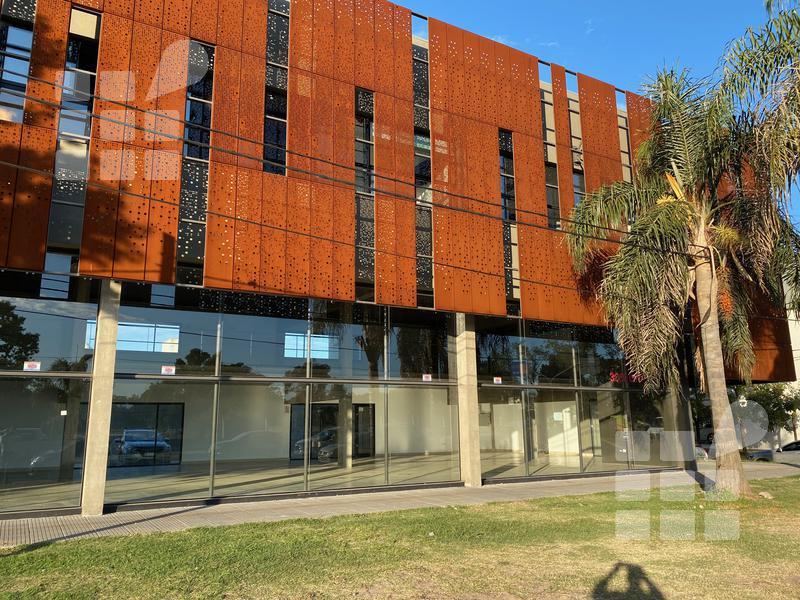 Foto Local en Alquiler en  City Bell,  La Plata  Cno. Centenario y al 500