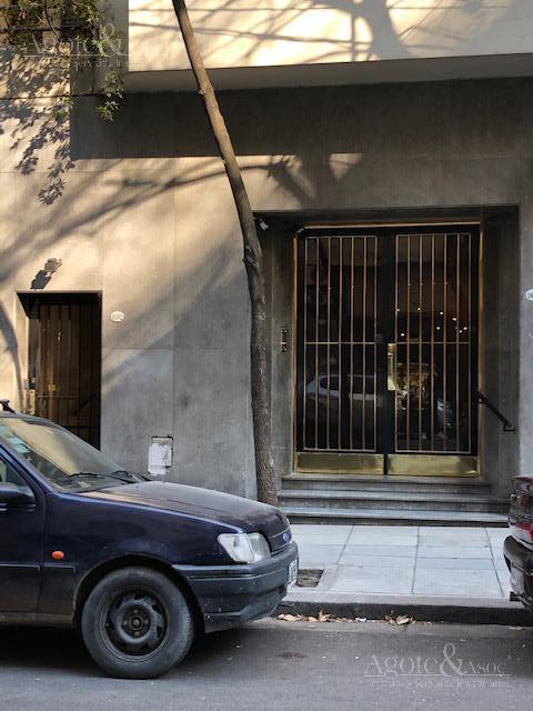 Foto Departamento en Venta en  Recoleta ,  Capital Federal  Arenales al 1600