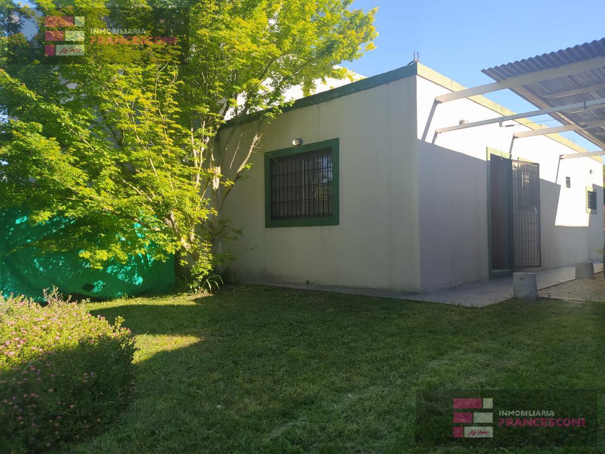 Foto Casa en Venta en  Villa Parque Sicardi,  La Plata  13 BIS E 659 Y 660