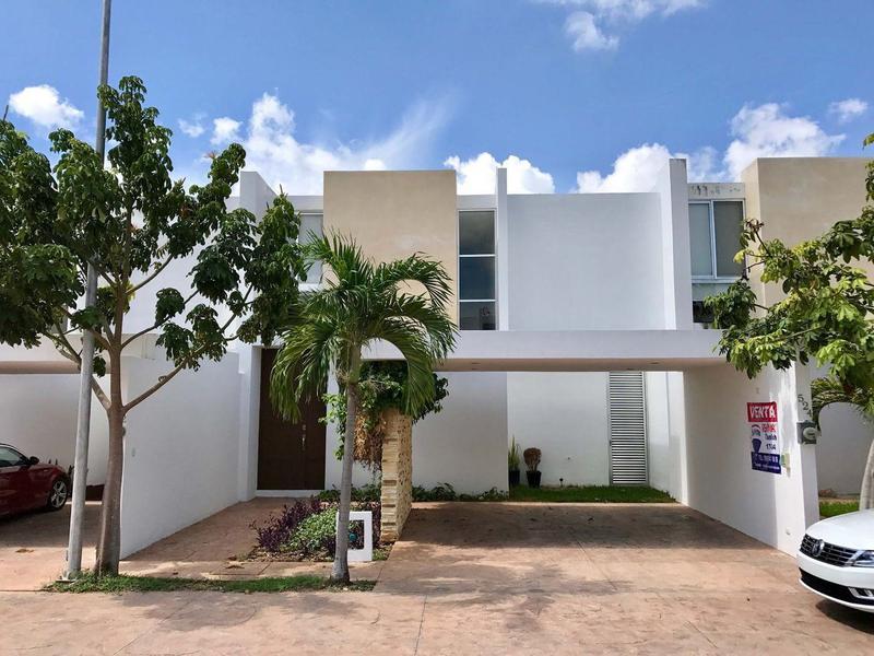 Foto Casa en condominio en Venta en  Industrias No Contaminantes,  Mérida  CAMPO CIELO casa residencial