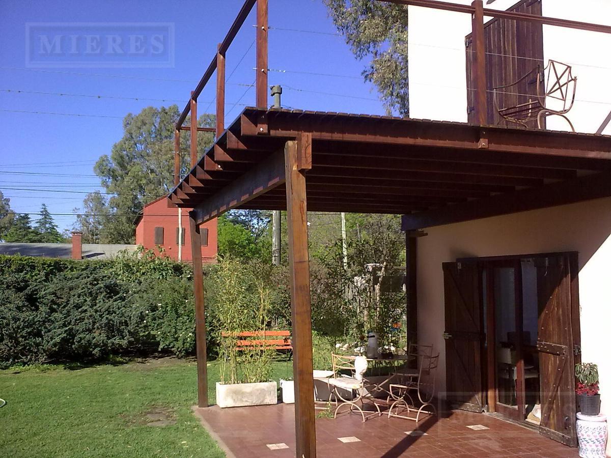 Casa en venta calle Mendoza, Benavidez