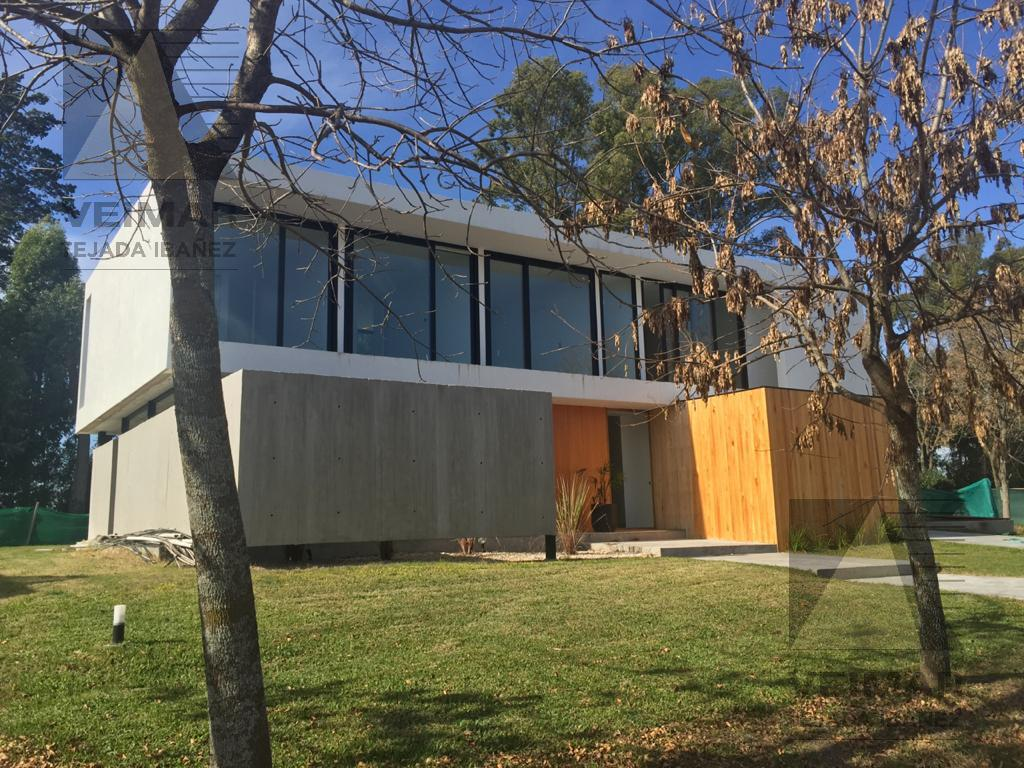 Foto Casa en Venta en  City Bell,  La Plata  467 E/ 144 Y 146 GRAND BELL 2 LOTE 1.114