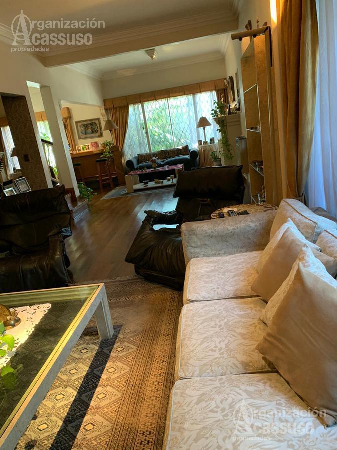 Foto Casa en Venta en  Olivos-Vias/Rio,  Olivos  Avda. Libertador al 3100 La Lucila