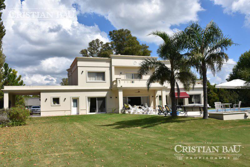Foto Casa en Venta en  San Diego C.C,  Countries/B.Cerrado (Moreno)  Moderna Sobre Golf San Diego C.C.