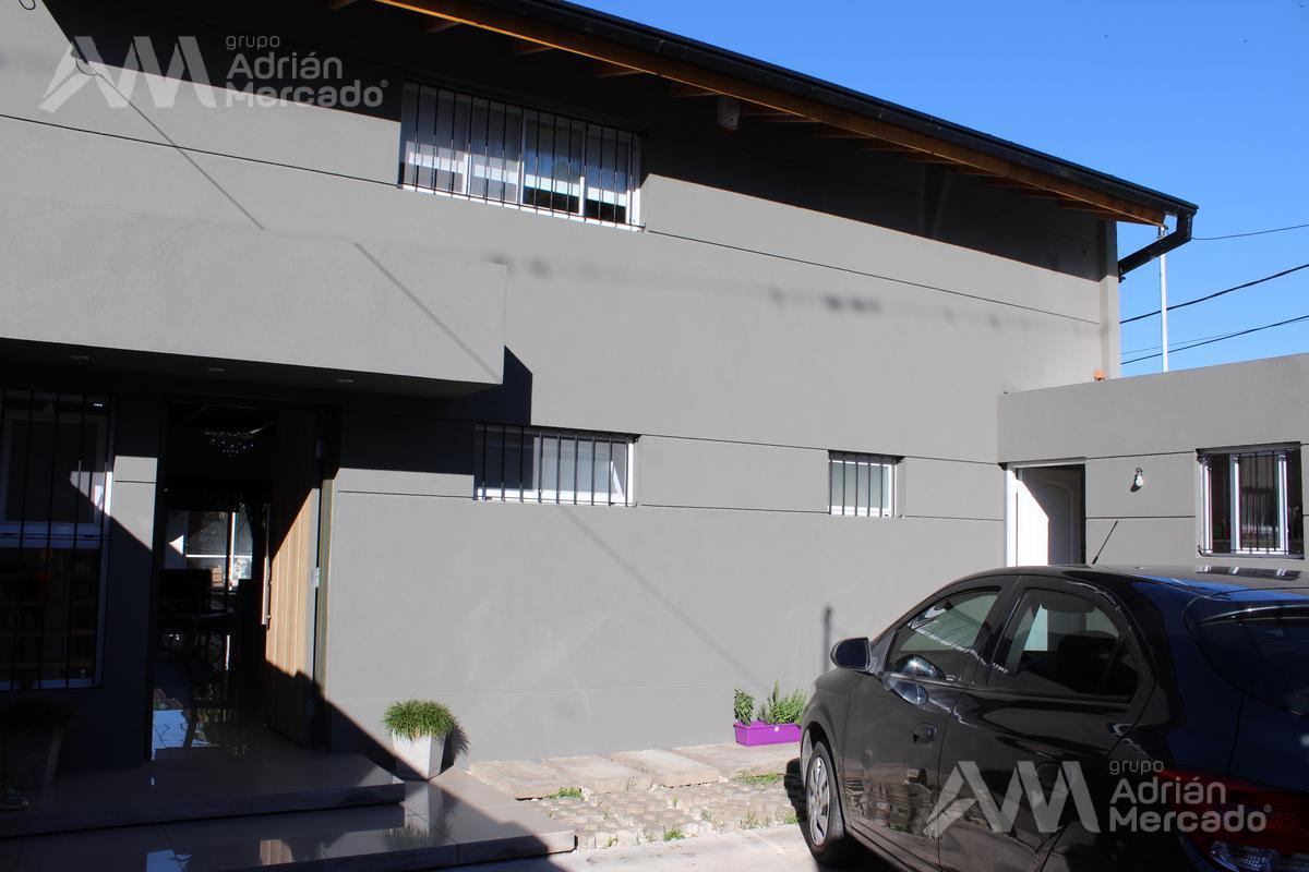 Foto Casa en Venta en  Pilar ,  G.B.A. Zona Norte  Los Claveles 700, Barrio Terrazas, Pilar