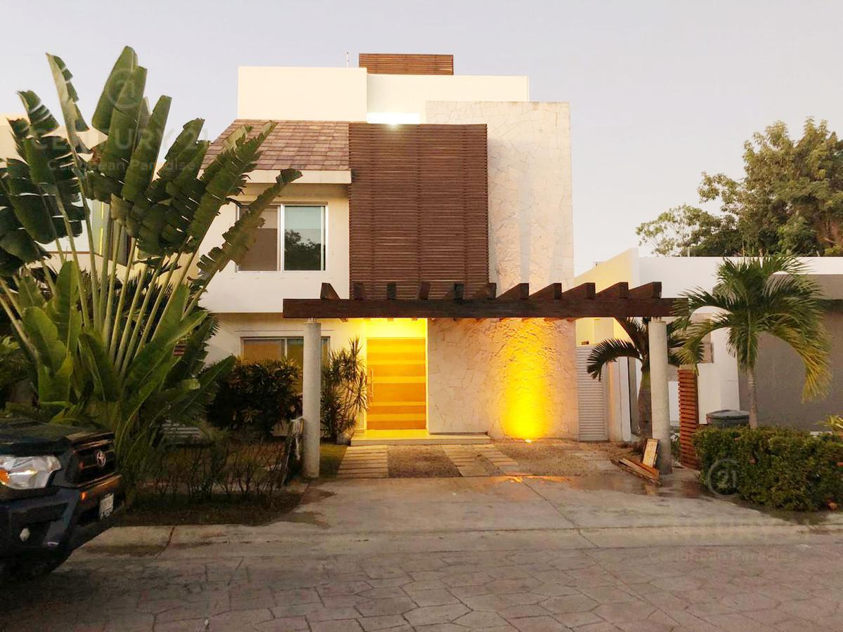 Foto Casa en Venta en  Benito Juárez ,  Quintana Roo  Magnífica Casa en Venta en Residencial Cumbres Cancún C2672