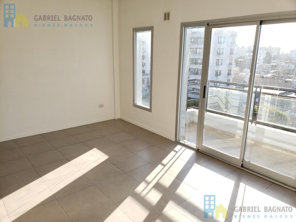 Foto Departamento en Venta en  Berazategui,  Berazategui  Calle 16 4954 7B