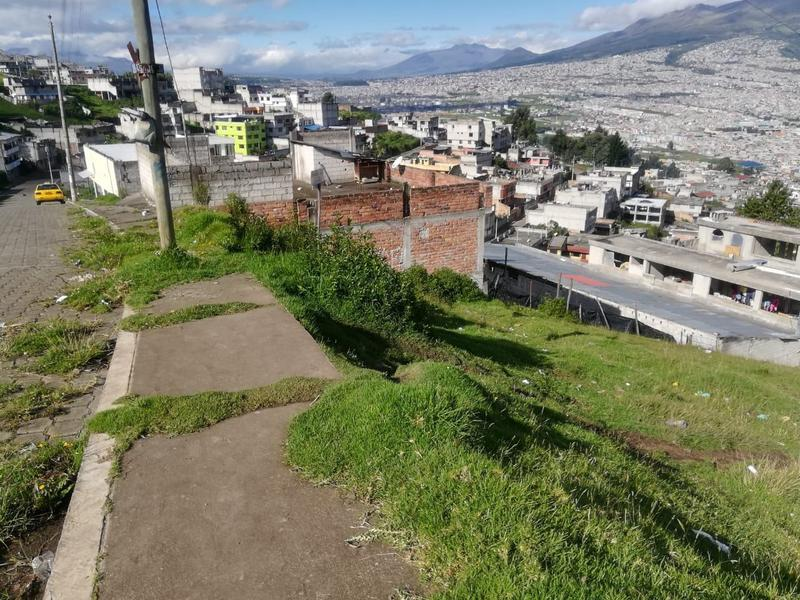 Foto Terreno en Venta en  Quito ,  Pichincha  Terreno de Venta Sur de Quito