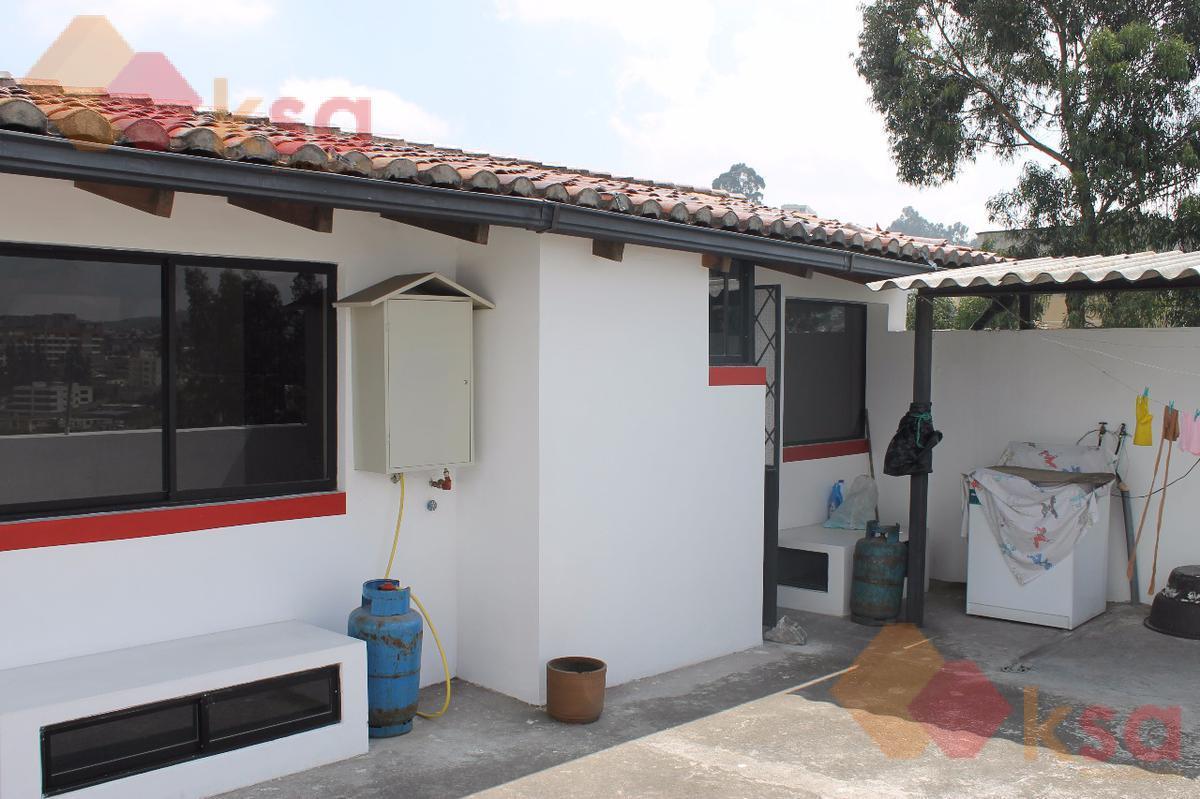 Foto Casa en Venta en  El Inca,  Quito  San Isidro del Inca