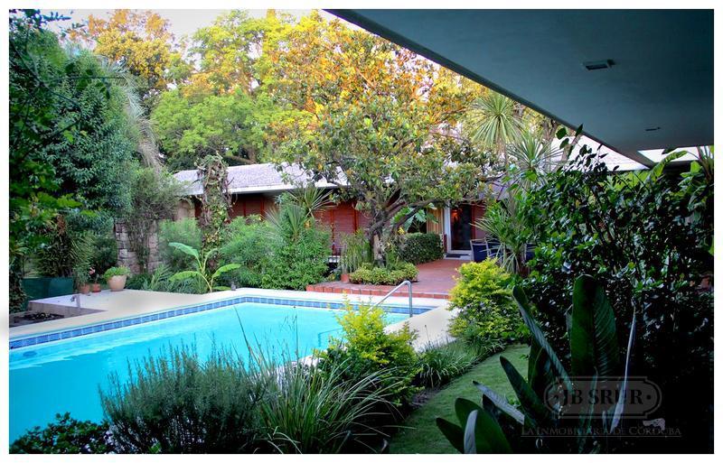 Foto Casa en Venta en  Cumbres del Golf,  Villa Allende  Villa Allende Golf