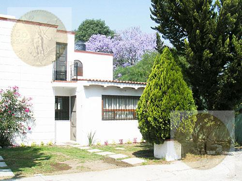 Foto Casa en Venta |  en  Barrio La Magdalena,  Tequisquiapan  Con excelentes espacios