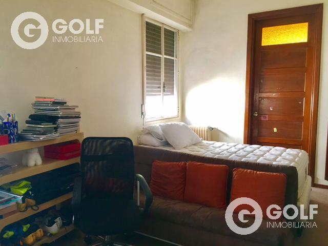 Foto Casa en Venta en  Pocitos ,  Montevideo  Próxima a colegios .- Lugar para 6 autos, barbacoa