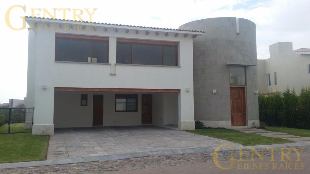Foto Casa en Renta en  Fraccionamiento El Campanario,  Querétaro  Amplia Residencia en Venta y Renta