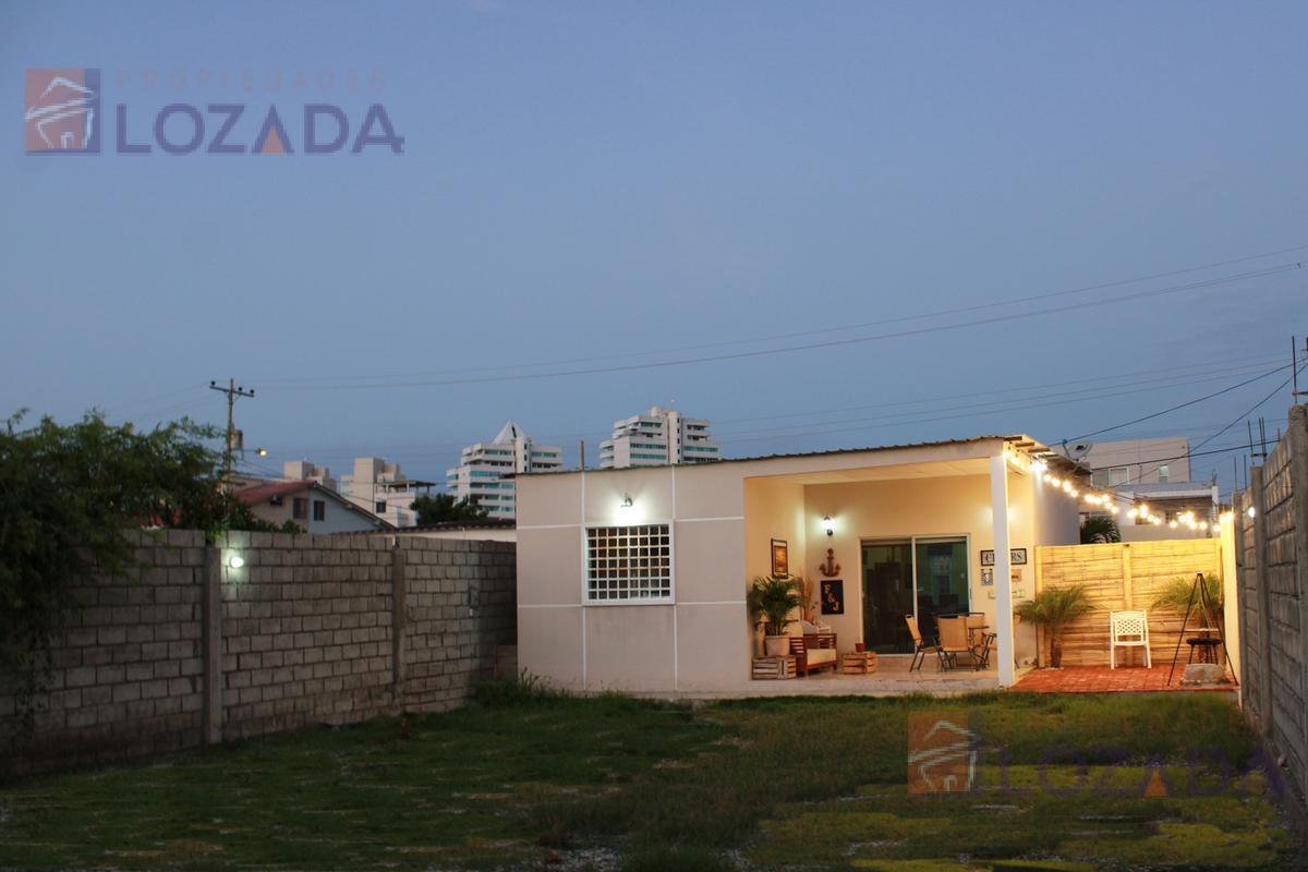 Foto Casa en Venta en  Salinas ,  Santa Elena  Vendo Casa en Salinas sector Puerto Lucia a pocos pasos del Paseo Shopping