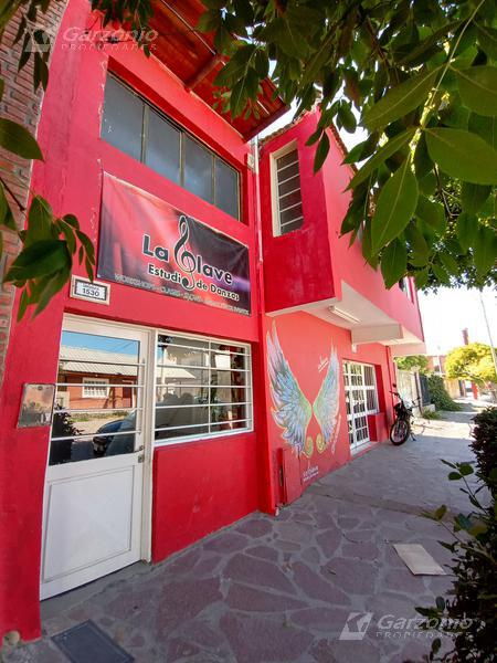 Foto Local en Venta en  Trelew ,  Chubut  Urquiza al 1500