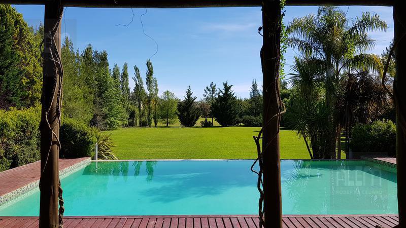 Foto Casa en Venta | Alquiler temporario en  Campos De Roca,  Countries/B.Cerrado (La Plata)  Campos de Roca
