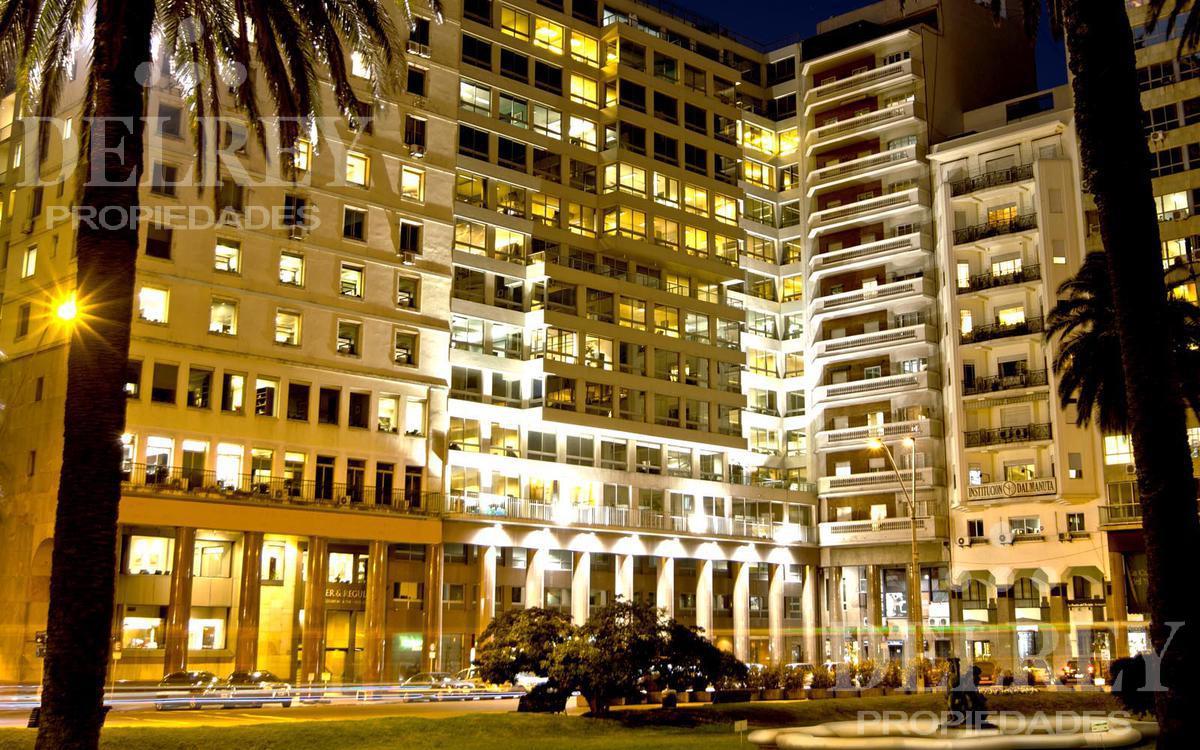Foto Oficina en Alquiler en  Centro (Montevideo),  Montevideo  Plaza Independencia
