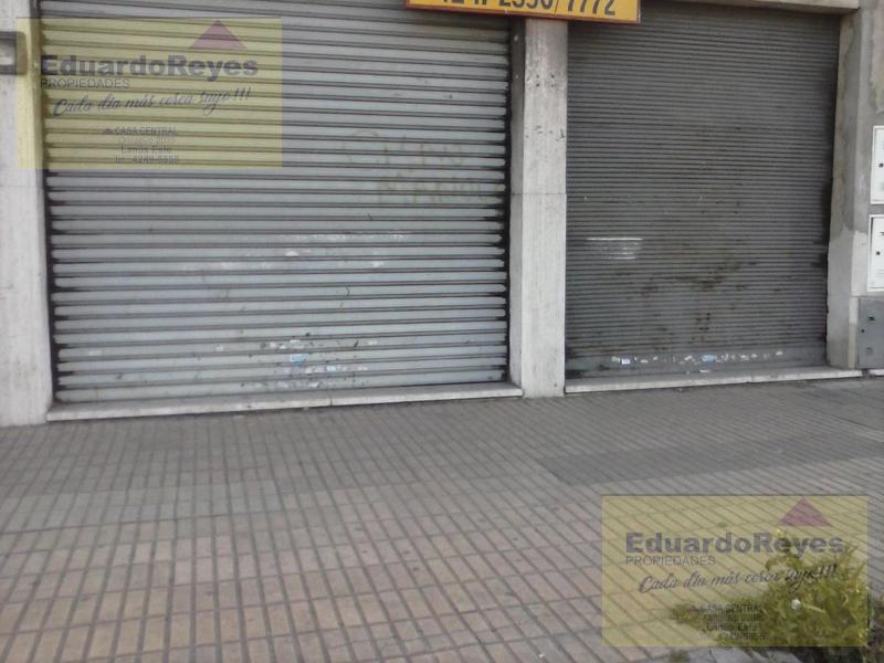 Foto Local en Alquiler en  Lanús Este,  Lanús  AV. EVA PERON 2661