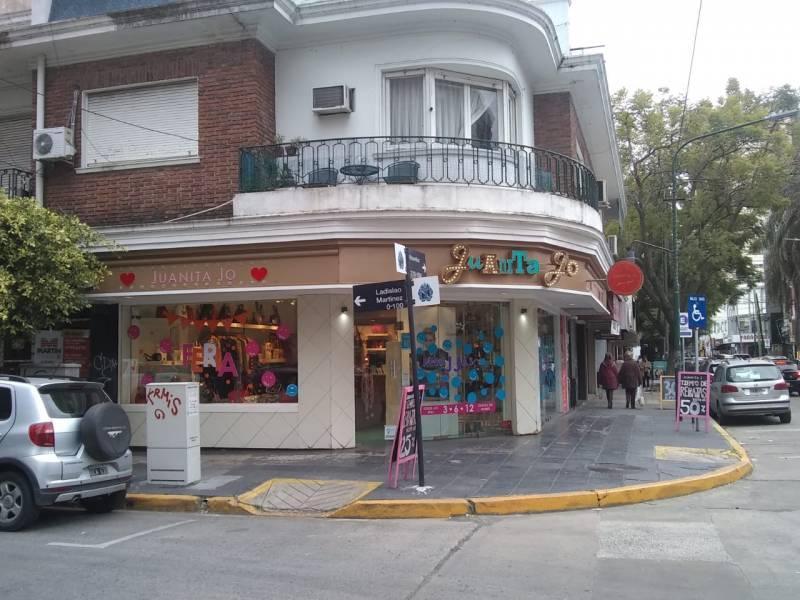 Foto Local en Alquiler en  Mart.-Vias/Santa Fe,  Martinez  Ladislao Martinez al 100