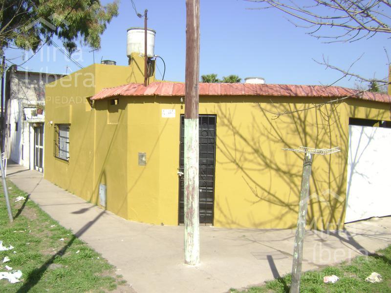 Foto Casa en Venta en  La Plata,  La Plata          Calle 8 esquina 90