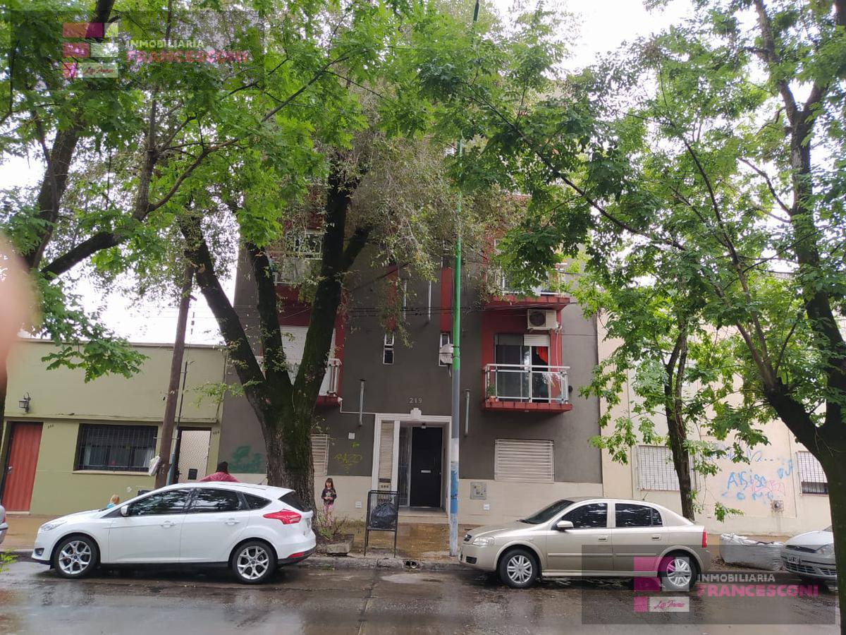 Foto Departamento en Alquiler en  Policlinico,  La Plata  66 115 y 116