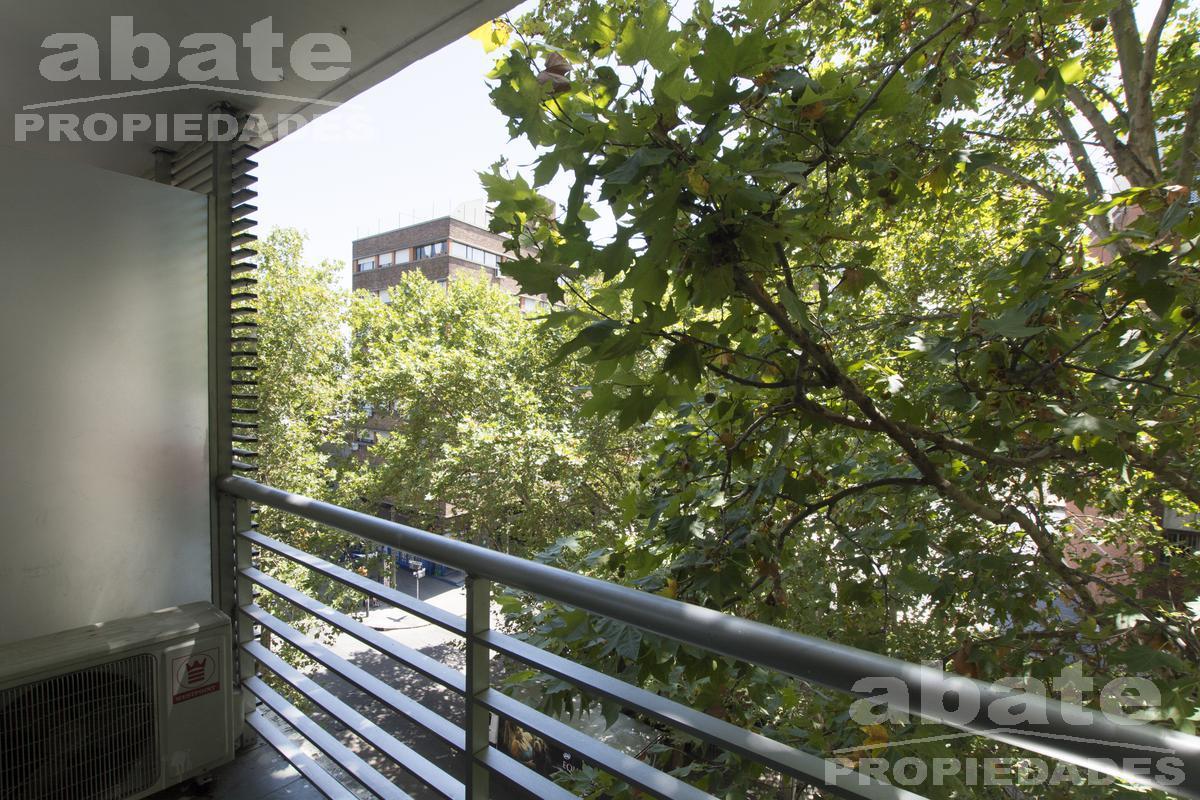 Foto Apartamento en Alquiler en  Pocitos ,  Montevideo  Rivera próximo Soca