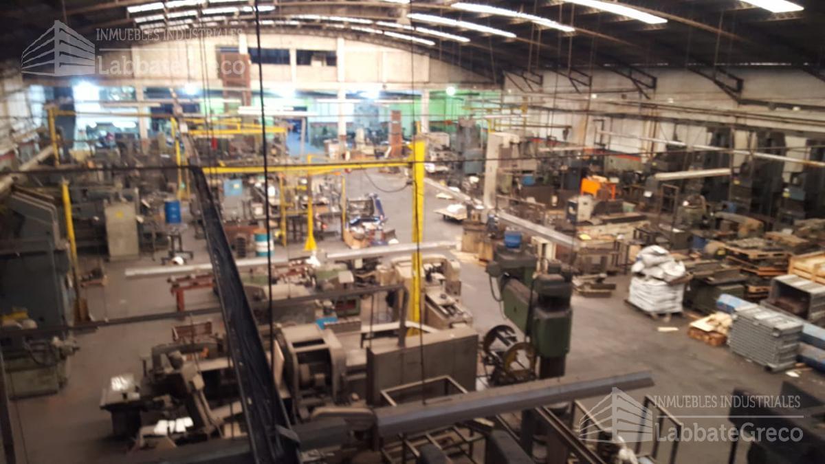 Foto Nave Industrial en Alquiler en  V.Maipu,  General San Martin  Balcarce 1200
