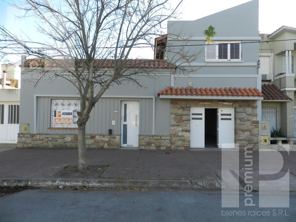 Foto Casa en Alquiler |  en  Roca,  San Francisco  BV. ROCA al 2100