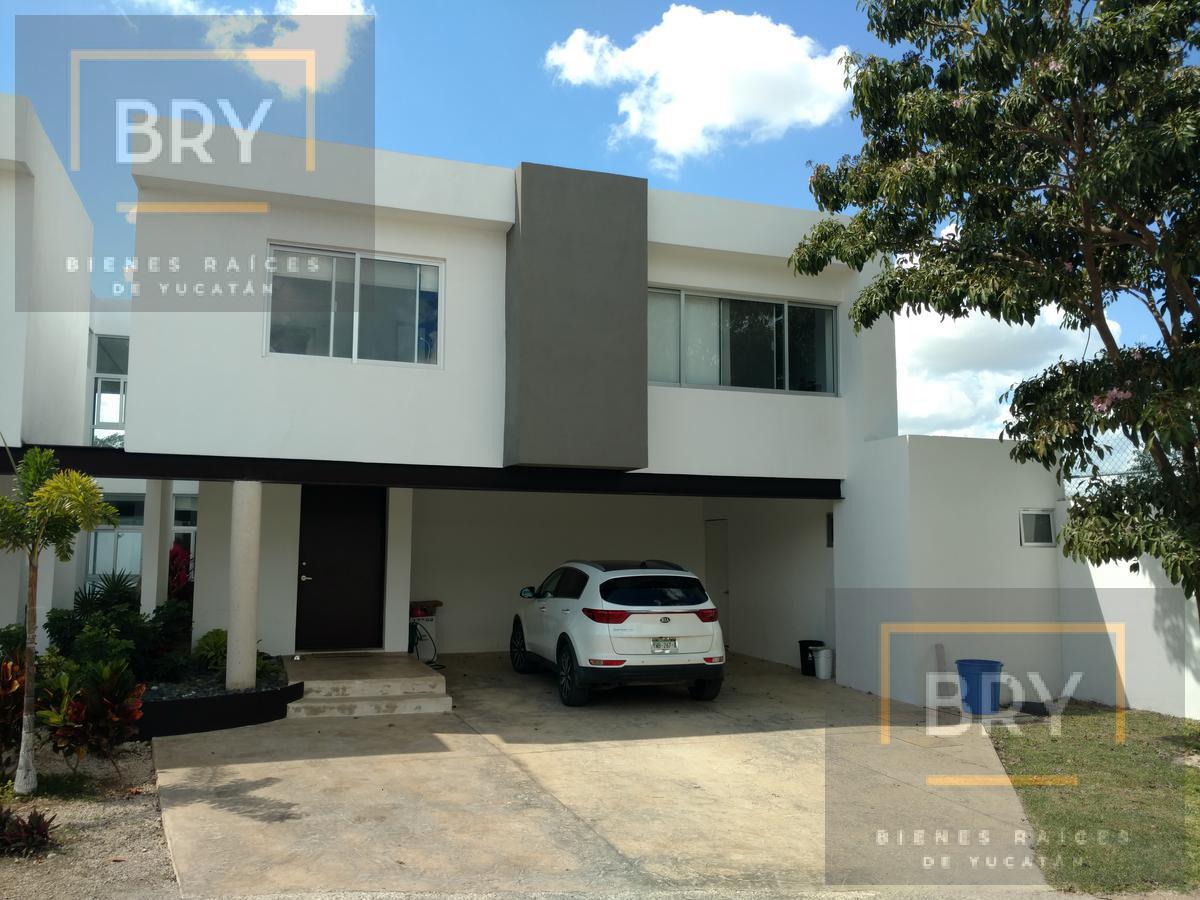 Foto Casa en condominio en Venta en  Pueblo Temozon,  Temozón  Se vende la casa más grande  de Palmequen Residencial