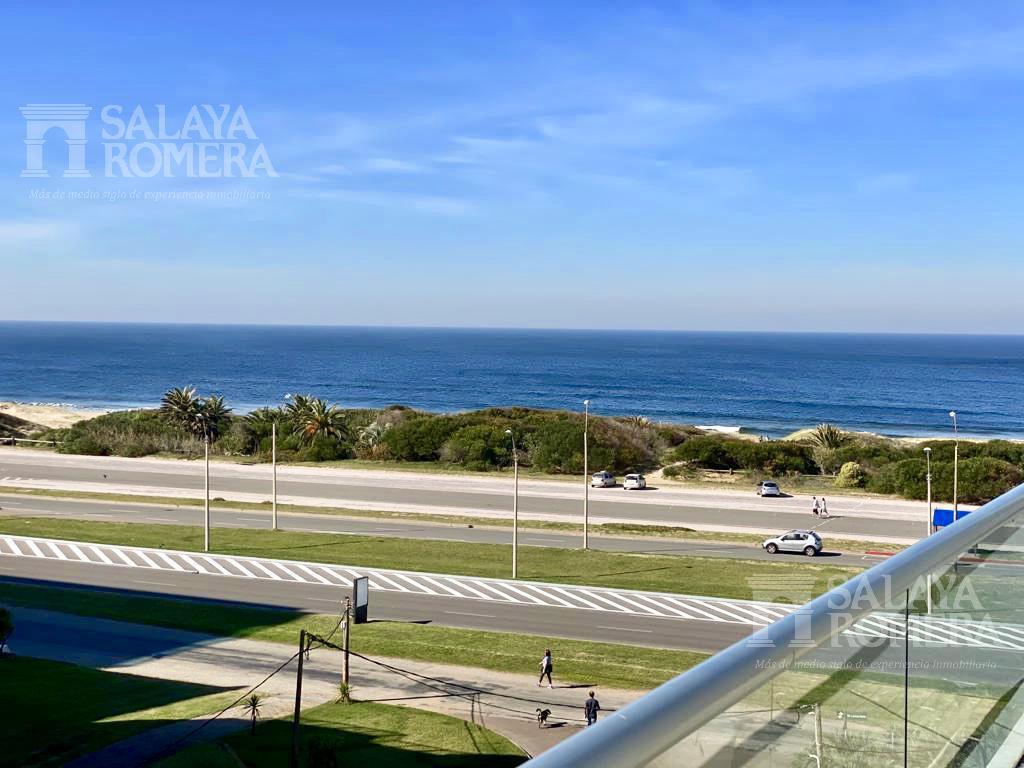 Foto Departamento en Venta en  Playa Brava,  Punta del Este  VENTA: PENTHOUSE EN PRIMERA LÍNEA AL MAR + PARRILLERO EXCLUSIVO PLAYA BRAVA PUNTA DEL ESTE