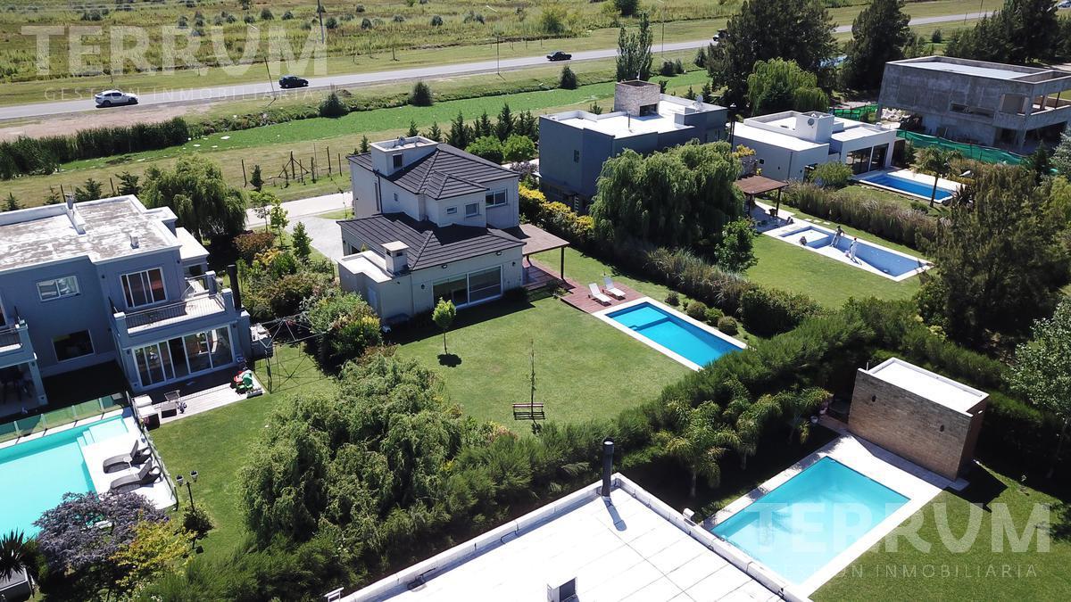 Foto Casa en Venta en  Barrio Don Joaquin,  Countries/B.Cerrado (Ezeiza)  CASA VENTA : CANNING : DON JOAQUIN