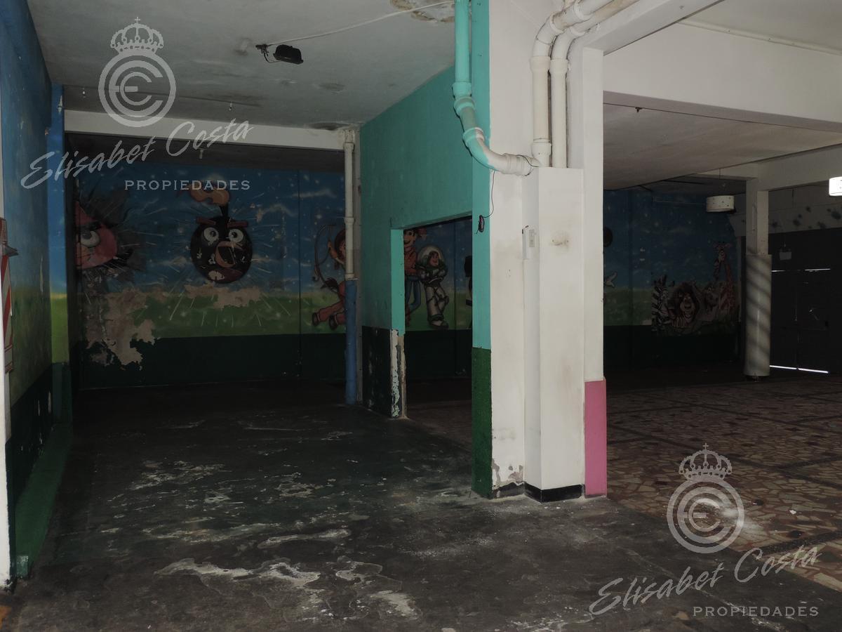 Foto Local en Alquiler | Venta en  Lanús Este,  Lanús  9 de Julio al 2300