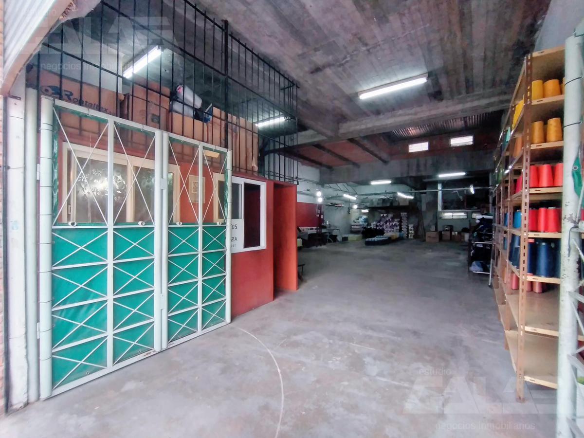 Foto Depósito en Alquiler en  Velez Sarsfield ,  Capital Federal  Bernaldes al 1100