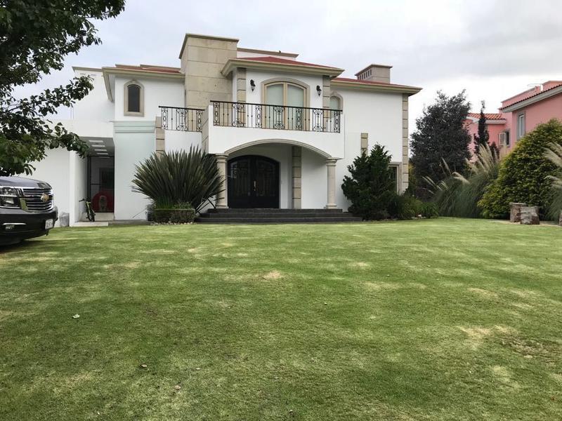 Foto Casa en Venta en  Cacalomacan,  Toluca  MAGNIFICA RESIDENCIA EN VENTA EN CACALOMACAN