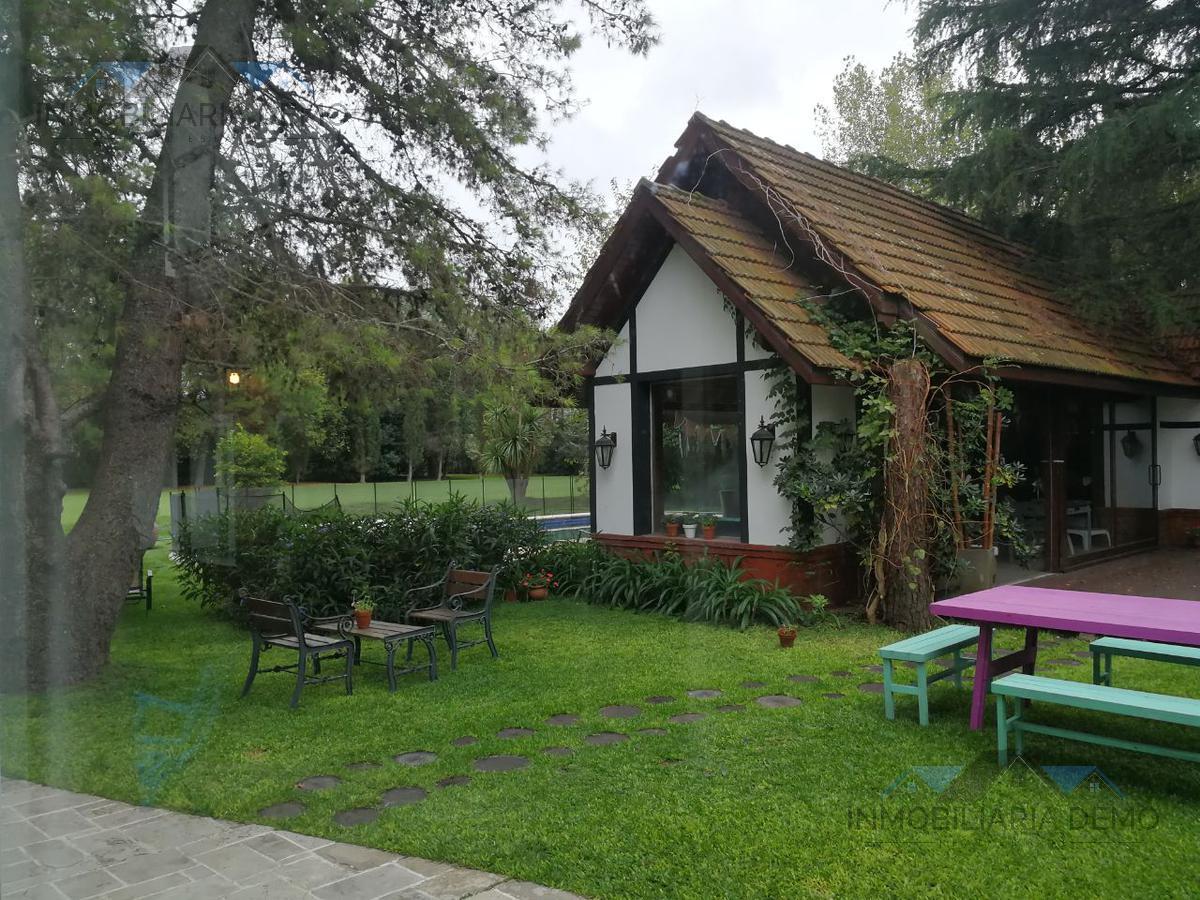 Foto Casa en Venta | Alquiler temporario en  Saint Thomas,  Countries/B.Cerrado (E. Echeverría)  Giribone al 800