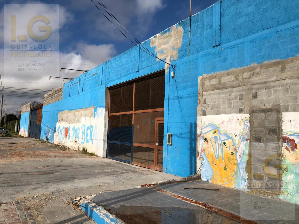 Foto Local en Venta en  Platanos,  Berazategui  Av Mitre 4000