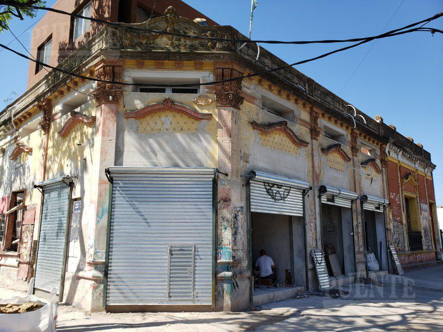 Foto Local en Alquiler en  Lomas de Zamora Oeste,  Lomas De Zamora                  Boedo 695