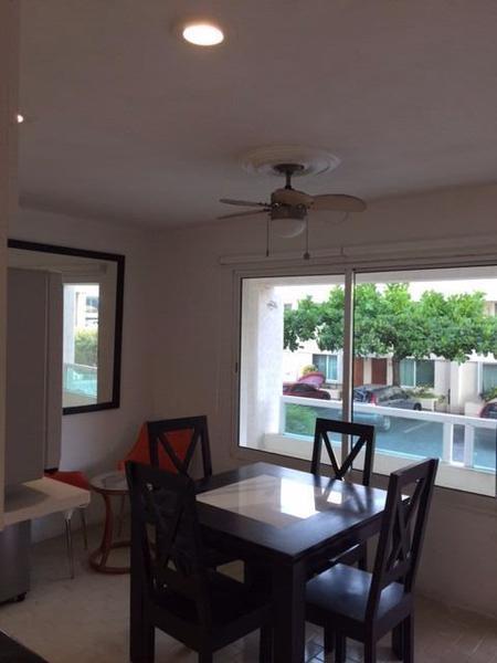 Foto Departamento en Renta en  Supermanzana,  Cancún  BRISAS ZONA HOTELERA. EN LA PLAYA.