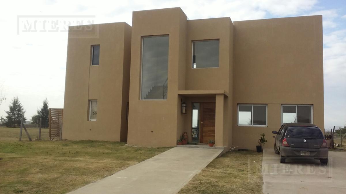 Casa en venta  con renta en San Matias Area 5