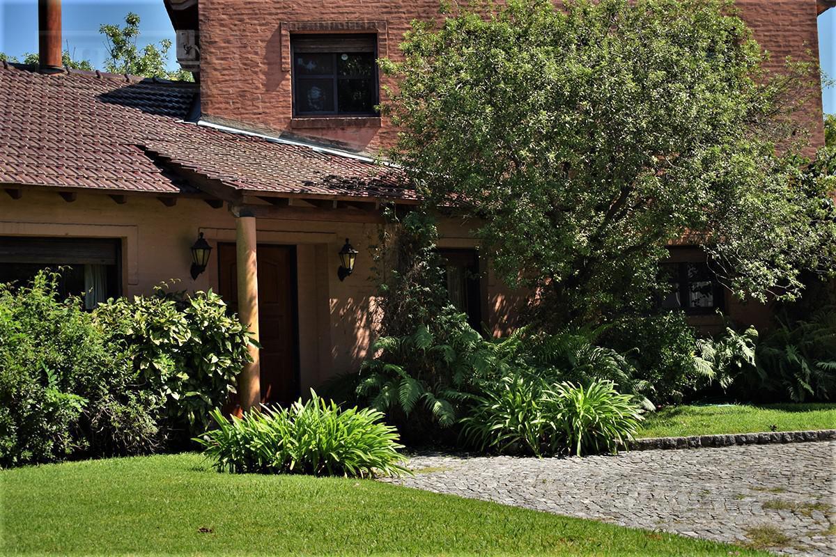 Casa de 383 mts. en Highland Park