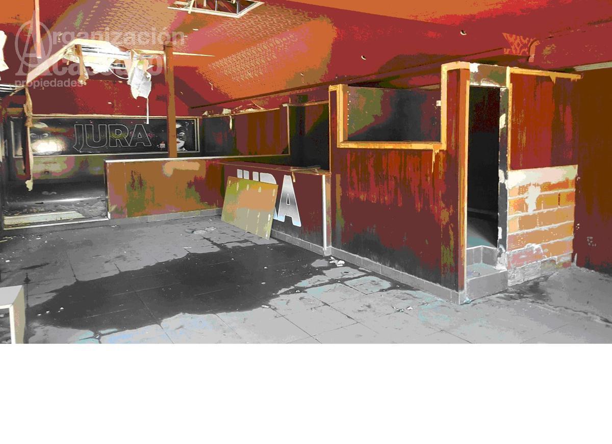 Foto Local en Alquiler en  Mart.-Fleming/Panam.,  Martinez  Avda. Fondo de la Legua al 1200